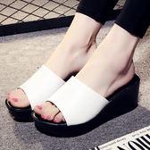 坡跟一字拖鞋 女防滑厚底涼鞋【多多鞋包店】z2084