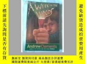 二手書博民逛書店Week罕見in the WoodsY18910 Andrew