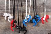 QS3入耳式耳機重低音跑步手機線控耳麥掛耳帶運動耳塞好音質 易貨居
