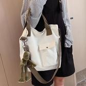 側背手提帆布包包大容量女包新款2020大學生上課斜挎包女百搭ins  魔法鞋櫃