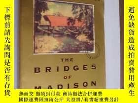 二手書博民逛書店The罕見bridges of Madison Country
