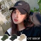 OT SHOP[現貨]帽子 素色棉質老帽 棒球帽 鴨舌帽 英文字母刺繡 帽圍可調 黑/米/草綠色 C2132