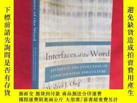 二手書博民逛書店Interfaces罕見of the Word: Studies