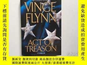 二手書博民逛書店Act罕見of Treason (A Mitch Rapp No