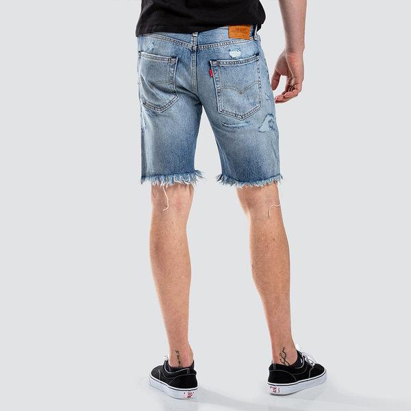 [買1送1]Levis 男款 牛仔短褲 / 上寬下窄 502 版型 / 抽鬚大刷破