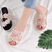 拖鞋女外穿新款時尚一字拖鞋度假海邊百搭花朵軟底防滑沙灘鞋「時尚彩紅屋」