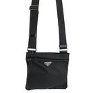 【奢華時尚】PRADA 黑色防水帆布三角牌斜背方形小扁包(九成新)#25197