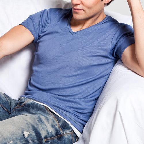 《MORINO》機能休閒吸汗速乾短袖V領衫-淺藍