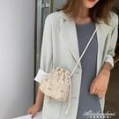 小包包女包新款草編織斜背包女百搭ins時尚水桶包潮 黛尼時尚精品