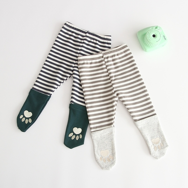 條紋拚接刺繡腳印包腳內搭褲 長褲 包腳褲 中性款 新生兒 嬰兒 寶寶 童裝 女童 男童 橘魔法 現貨