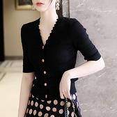 高端冰絲針織開衫女短袖夏薄款波浪邊v領高腰短款修身洋氣上衣ins【快速出貨】