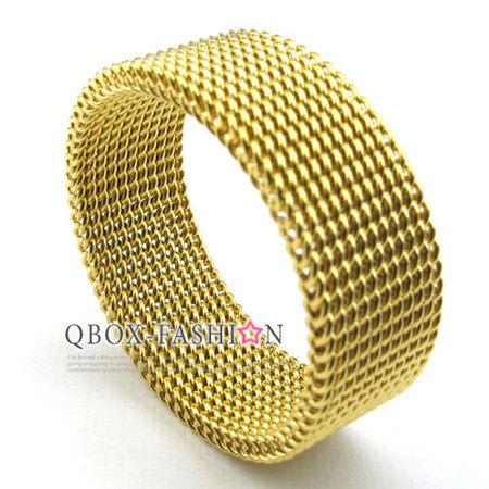 《 QBOX 》FASHION 飾品【R10022550】精緻潮流風軟性鎖鏈網格鈦鋼戒指/戒環(金)