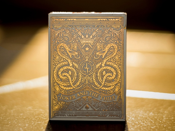 【USPCC 撲克】JOKER AND THE THIEF WHITE GOLD playing cards