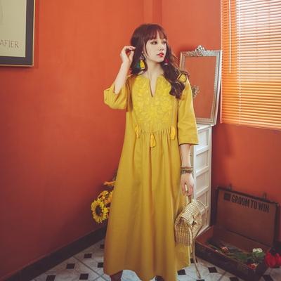 涼感洋裝裙子旅游復古度假風流蘇刺繡重工V領寬松棉麻三色連身裙NE603.依品國際