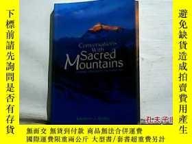 二手書博民逛書店Conversations罕見With Sacred Mount