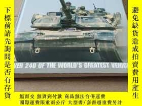 二手書博民逛書店tanks罕見and armored fighting vehi