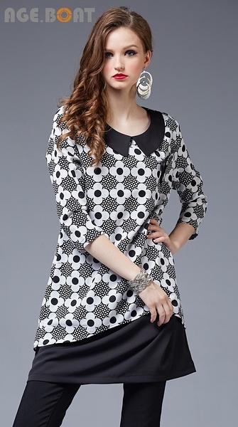 【AGE BOAT】秋冬服飾特賣~花朵布接素面布有領七分長版上衣附別針  NO.152107