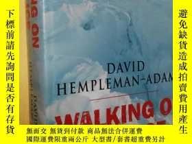 二手書博民逛書店英文原版精裝罕見如履薄冰:追尋北極點 Walking on Thin Ice: In Pursuit of the