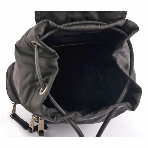 【BURBERRY】The Rucksack鋪棉尼龍小型軍旅後背包(黑) 8006716 A1189