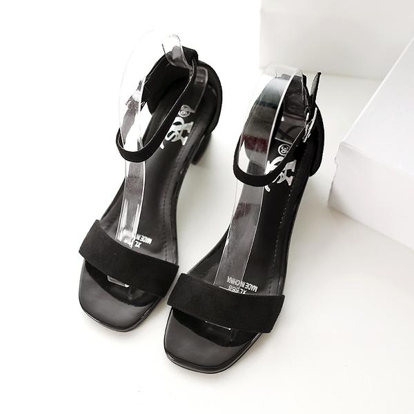 卡樂store...韓版一字扣帶涼鞋中跟粗跟絨面性感  2色 35-39 #ycs668