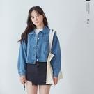 大口袋排釦寬鬆短版牛仔外套-BAi白媽媽【310431】