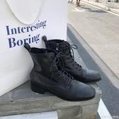 馬丁靴女英倫風帥氣機車靴子黑色內增高真皮中筒軍靴繫帶短靴  怦然心動