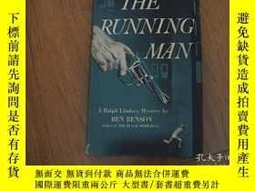 二手書博民逛書店THE罕見RUNNING MAN(跑步的人)Y8398 BY B
