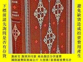 二手書博民逛書店【包罕見】The Walnut Door,《胡桃木門》,John