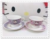 ♥小花花日本精品♥ Hello Kitty 咖啡杯 陶瓷咖啡杯 紫色粉色 愛心 蝴蝶結 附盤子 一對價 11243007