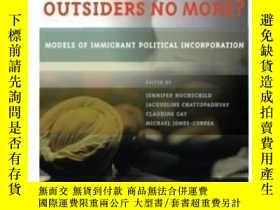 二手書博民逛書店【罕見】Outsiders No More?: Models O