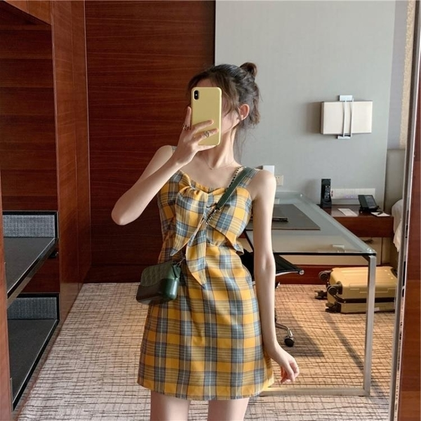 一字肩洋裝 2020夏季新款很仙的百搭裙子仙女超仙森系淡黃色格子吊帶洋裝女 果果生活館