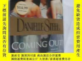 二手書博民逛書店(原聲CD盒)罕見COMING OUT (Read by Dav