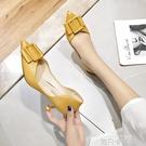 網紅單鞋女秋2020新款少女中跟上班鞋淺口百搭方扣尖頭細跟高跟鞋 依凡卡時尚