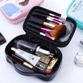 化妝包 化妝包韓版卡通女孩黑色防水化妝筆收納袋化妝品收納包小號化妝包 小宅女大購物
