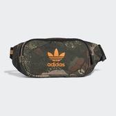 ADIDAS 運動腰包 CAMO WAIST BAG 迷彩 橘LOGO 休閒 小側背包 (布魯克林) FT9304
