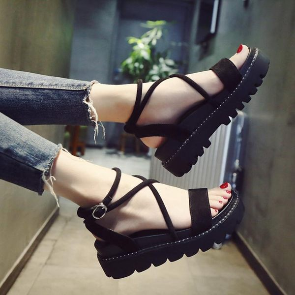 女鞋 厚底涼鞋涼鞋女夏新品免運正韓厚底楔型涼鞋交叉綁帶羅馬楔型平底學生鞋子