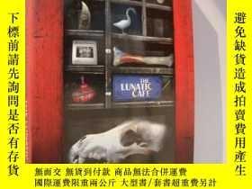 二手書博民逛書店The罕見Lunatic Cafe 原版Y85718 LAURE