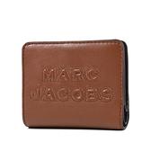 美國正品 MARC JACOBS 浮雕LOGO牛皮釦式短夾-焦糖色【現貨】