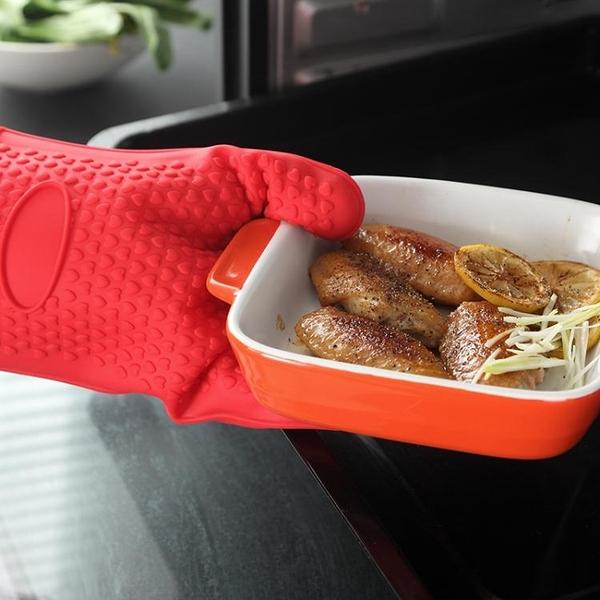 防熱手套 onlycook 2只防燙硅膠微波爐加棉隔熱手套烤箱耐高溫廚房防熱五指寶貝計畫 上新