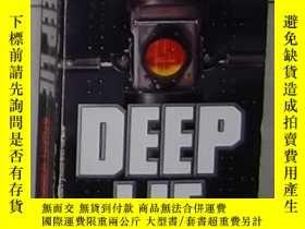 二手書博民逛書店英文原版罕見Deep Lie by Stuart Woods 著