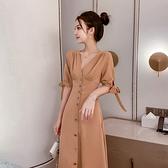 VK精品服飾 韓國風名媛V領氣質單排釦綁帶袖長版短袖洋裝