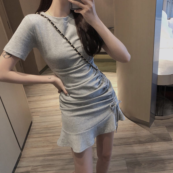 VK旗艦店 韓系側邊壓褶抽繩簡約短袖洋裝