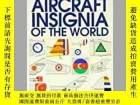 二手書博民逛書店Military罕見Aircraft Insignia of the World (damaged)-世界軍機徽章