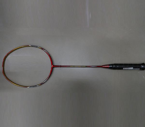 [送握把皮][陽光樂活=]【LI-NING】李寧 LNAYPJ012-1 超碳UC-7000紅 細拍框超高CP值羽球拍 附穿線 與拍袋