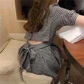 夏季2020新款韓版時尚收腰顯瘦小心機設計感露腰格子短袖連身裙女