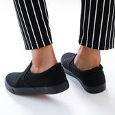 男款 基本款百搭素面全黑帆布鞋 休閒鞋 懶人鞋 59鞋廊