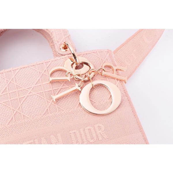【DIOR】LADY D-LITE籐格紋圖案刺繡中型包款(粉色) M0565JREY_M957