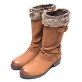 DIANA 質感玩味–暖心絨毛率性擦色雙釦帶長靴-棕★特價商品恕不能換貨★