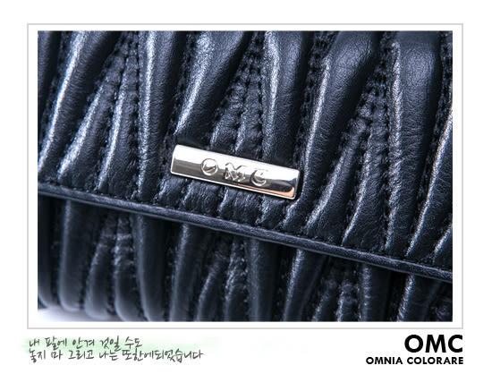 OMC - 韓國專櫃立體抓皺感多卡式真皮中夾-質感黑