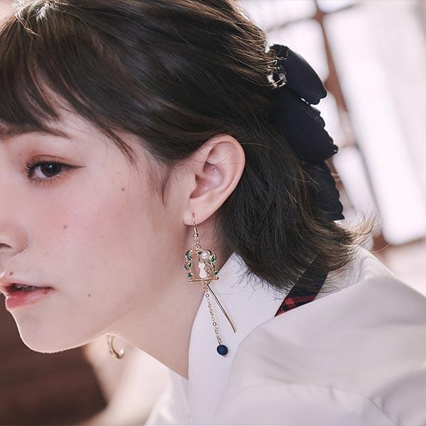 耳環 珍珠貓咪月亮垂墜不對稱耳針/夾式耳環-Ruby s 露比午茶
